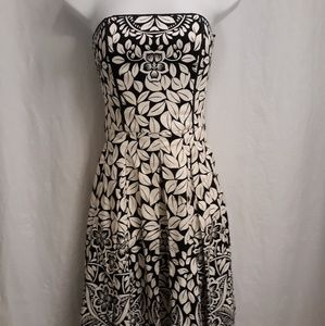 White House Black Market Fit and Flair Dress Sz 00